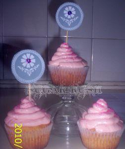 hallow-cupcakes-2010.jpg