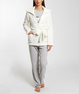 etam-lingerie-kingsheep-pyjama-3-pieces-veste-toucher-peluc.jpg