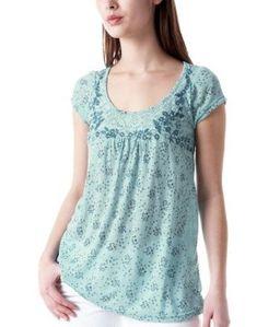 t-shirt-fleurs-et-dentelle-imprime-vert-d-eau promod 24.95