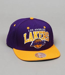 casquette-mitchell-ness-los-angeles-lakers-violet-jaune