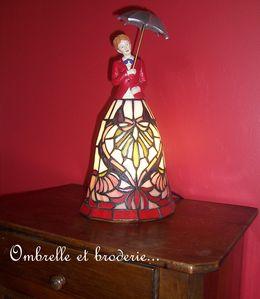 Ombrelle-et-broderie-001.jpg