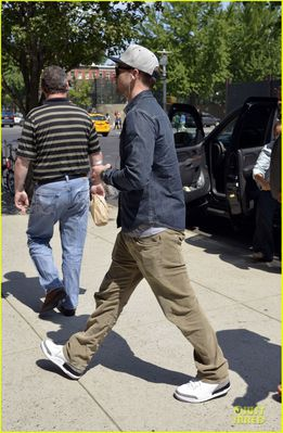 justin-timberlake-steps-out-after-defending-miley-cyrus-03