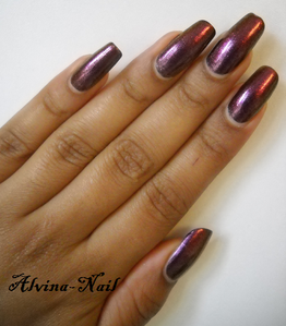 model-own-pinky-brown-couleur-automne2-Alvina-Nail.png