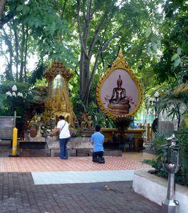 bangkok Wat Pathumwanaram 3
