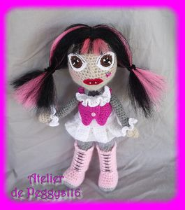 Draculaura-monster-High--1-.jpg