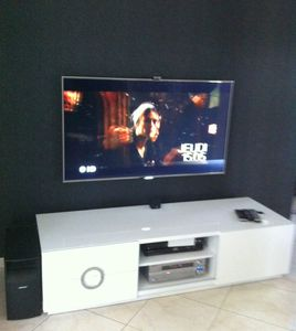 Fixer tv au mur cache fils
