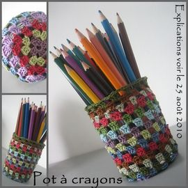 pot  crayon 1 que cache ma boite  belette