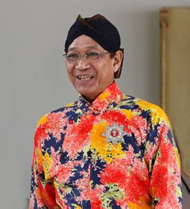 Prince-Charles-Indonesia-Day-4-IISkcbH03Wgl-copie.jpg