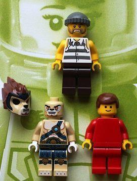 Les-figurines-lego-au-fil-du-temps-3.JPG