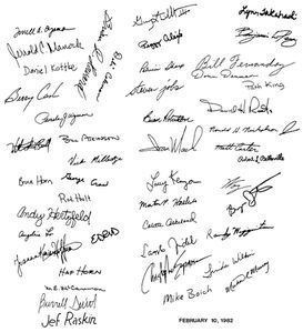 mac-128k-case-signatures-medium.jpg