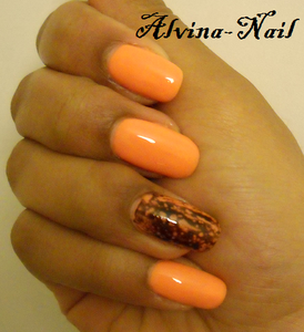 vernis-a-ongle-orange-spotted-Alvina-Nail.png