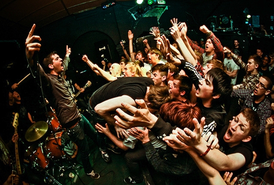 Defeater+live