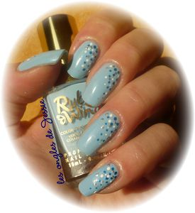 blog.Vernis-RubyWing-Moonstone.NailArt-points3.jpg