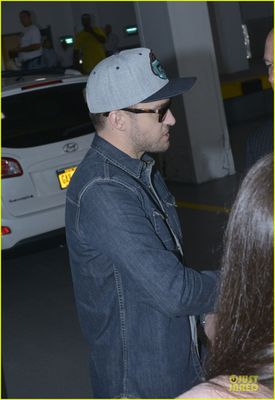 justin-timberlake-steps-out-after-defending-miley-cyrus-10.jpg