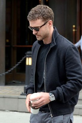 Justin-Timberlake-spends-time-downtown-hotel-JSVxggShPibl.jpg