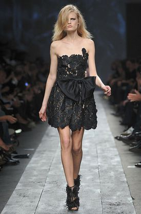robe_bustier_noeud_taille_Valentino.jpg