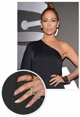 Jennifer-Lopez-Nail-Art-At-Grammy-s-2013.jpg