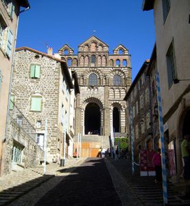 cathedrale-le-Puy.jpg