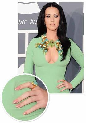 Katy-Perry-Nail-Art-At-Grammy-s-2013.jpg