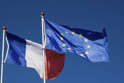 france_ue_drapeaux250.jpg