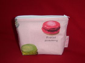 Trousse à maquillage macarons 1