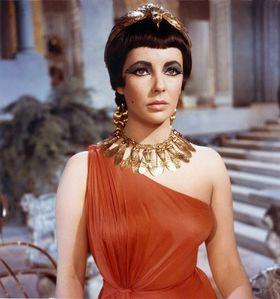 Liz-Taylor-Cleopatra-734407.jpg