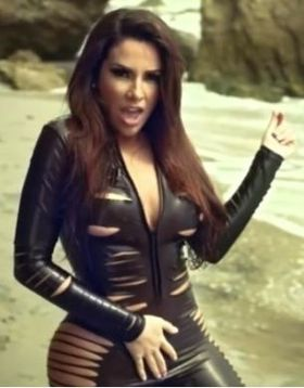 nayer-hot-sexy-2012.JPG