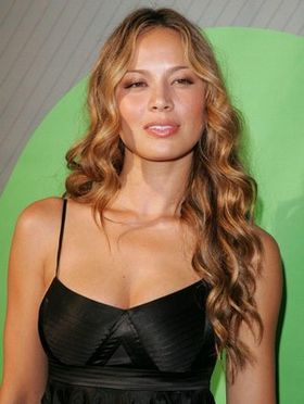 Moon-Bloodgood-sexy-falling-skies.jpg