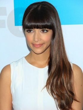 hannah-simone-sexy-serie-hot.jpg