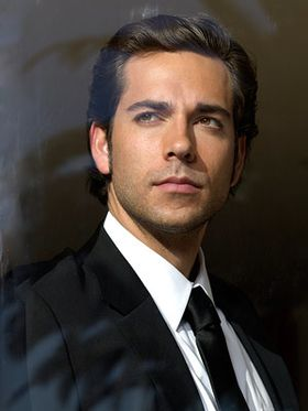 zachary-levi-sexy-serie.jpg