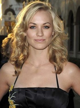 yvonne-strahovski-sexy-chuck.jpg