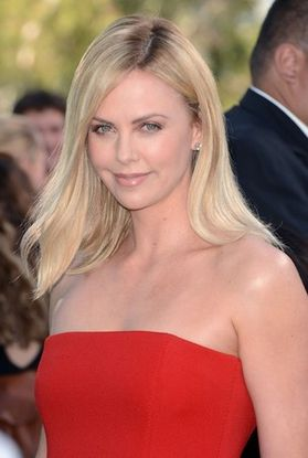 Charlize-Theron-sexy-hot-2013.jpg