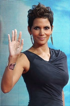 Halle-Berry-hot-sexy-2013.jpg
