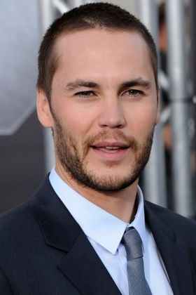taylor-kitsch-sexy-hot-2013.jpg
