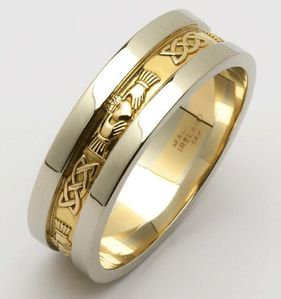 Beautiful-Golden-Wedding-Ring-For-Men.jpg