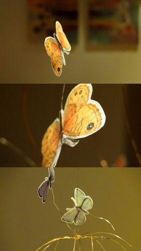 mobile papillons fil de fer doré