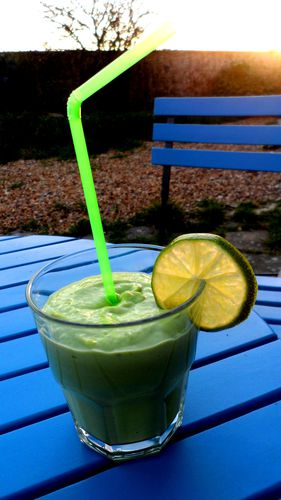 Smoothie-concombre-avocat.jpg