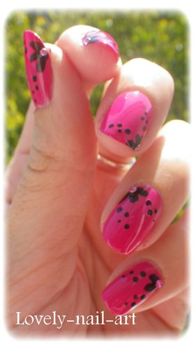Nail-Art---Bubble-Gum---6.jpg