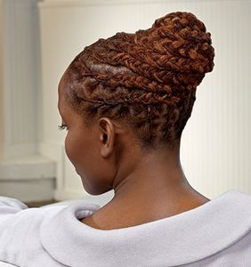 chignon-tresse-de-locks-source-naturallycurly.jpg