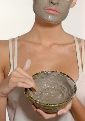 bentonite-clay-facial-photo-from-Africa.jpg