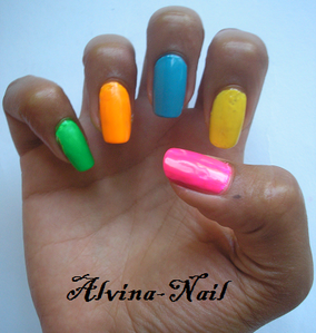 fluo-stabilo2--Alvina-Nail.png