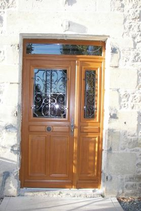 Porte d 39 entr e et fen tres renovation charentaise - Porte entree renovation ...