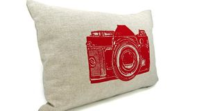coussin-ecru-rouge