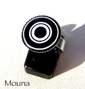 Bague Black & white 1 DISPONIBLE: 15 euros.