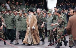 ali-khamenei-with-the-sepah-pasdaran-marching-iran
