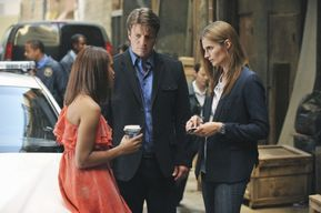 CASTLE-Heroes-and-Villains-Season-4-Episode-2-550x366