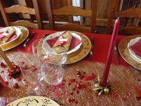 Table de noel en rouge et or creative 39 sisters - Deco table noel rouge et or ...