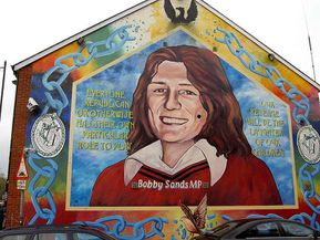 bobby sands mural in belfast3209