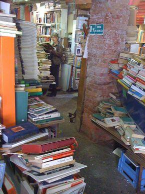 libreria acqua alta1