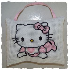 Coussin Hello Kitty par Pat
